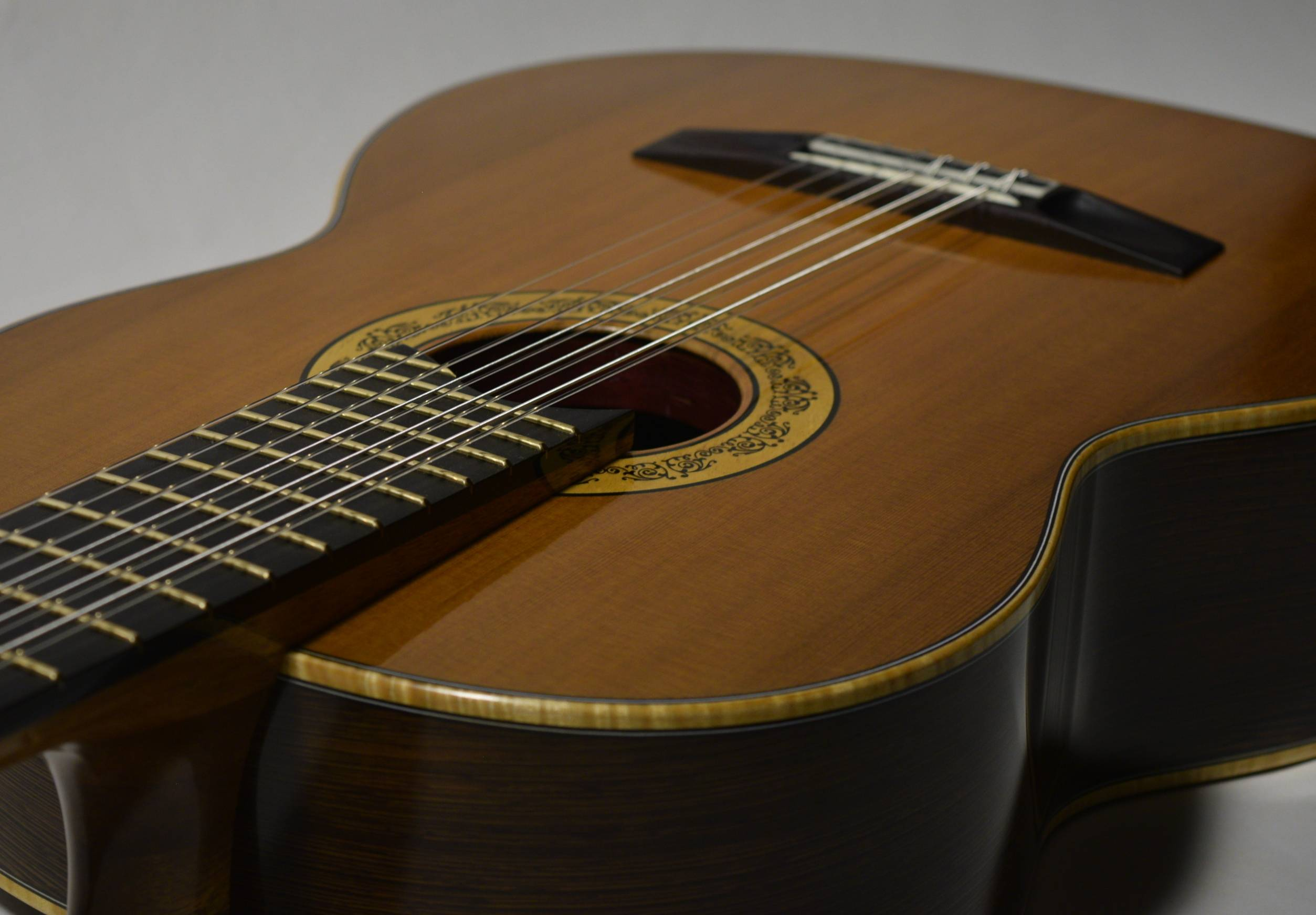 Giving the Baroque guitar repertoire new life in a modern design